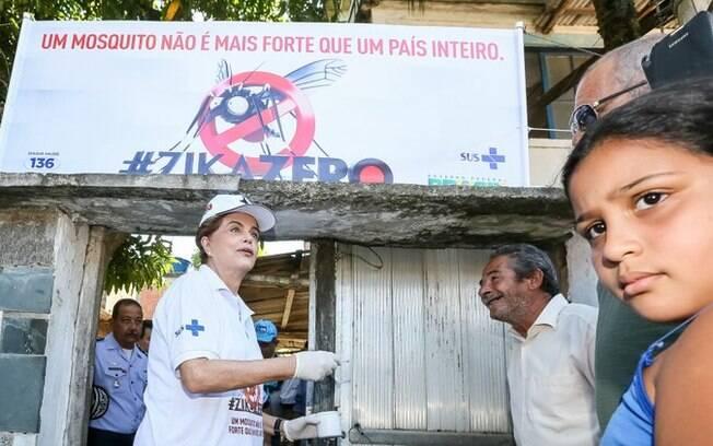 Presidenta Dilma Rousseff durante Visita à Comunidade Zepelin. Dia Nacional de Mobilização contra o Aedes Aegypti (Zika Zero)