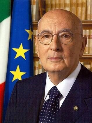 Após nove anos de mandato, o presidente da Itália, Giorgio Napolitano, deve anunciar saída do cargo