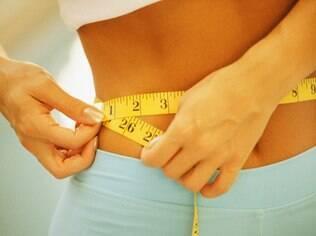 Pular refeições para tornar a dieta mais eficaz é um mito; a consequência dessa medida é aumentar a fome