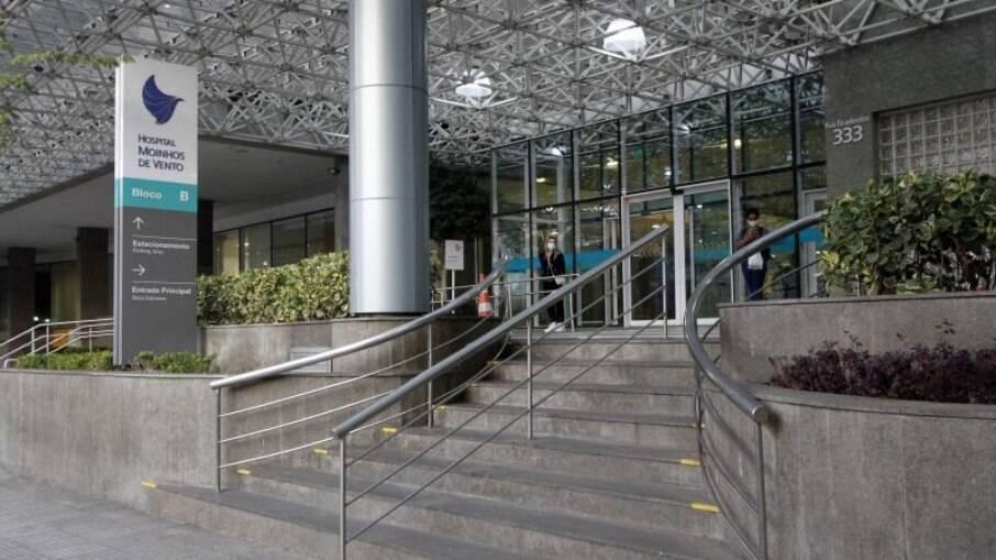 Com 100% dos leitos ocupados, hospital no Sul aluga contêiner para acomodar corpos de vítimas da Covid-19