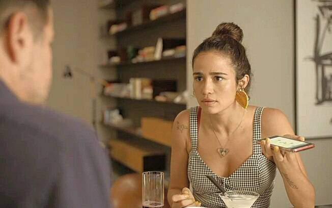 Érica (Nanda Costa)