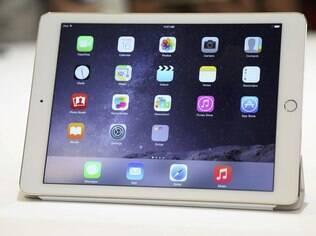 O iPad Air 2 tem tela do mesmo tamanho do atual iPad Air, de 9,7 polegadas, mas é 18% mais fino e tem apenas 6,1 milímetros de espessura