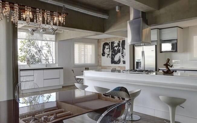 decoracao cozinha e copa : decoracao cozinha e copa:cozinha moderna e de tons neutros assinada pela arquiteta Viviane