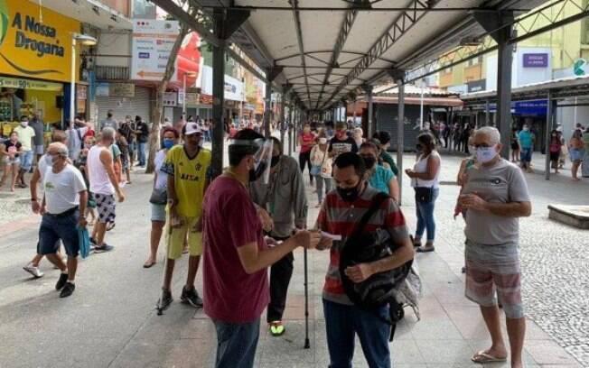 Calçadão de Bangu registrava aglomerações mesmo durante o 'lockdown'
