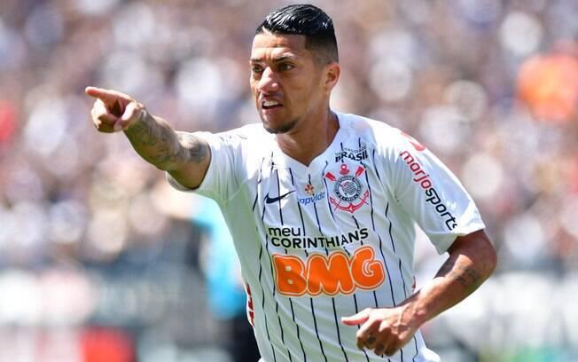 Botafogo avalia a contratação de Ralf