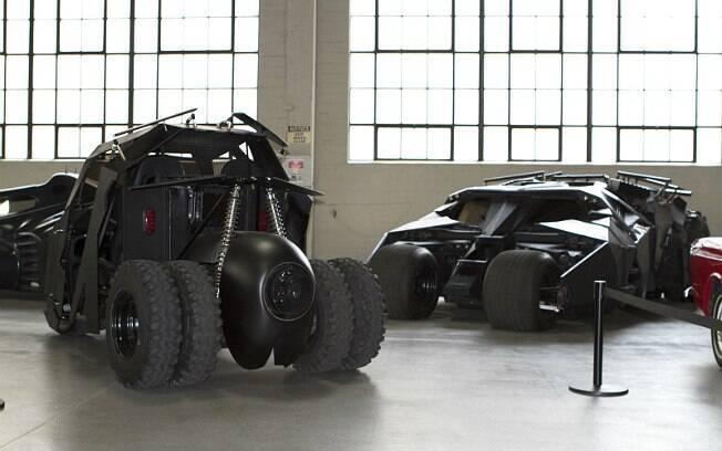 Versão do Tumbler como carrinho de golfe e o modelo igual ao dos filmes