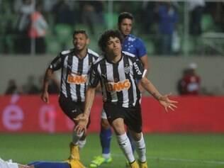Luan abriu o placar para o Atlético no clássico aos 8 minutos de jogo