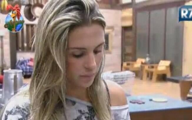 Joana Machado começa a colocar ordem na cozinha