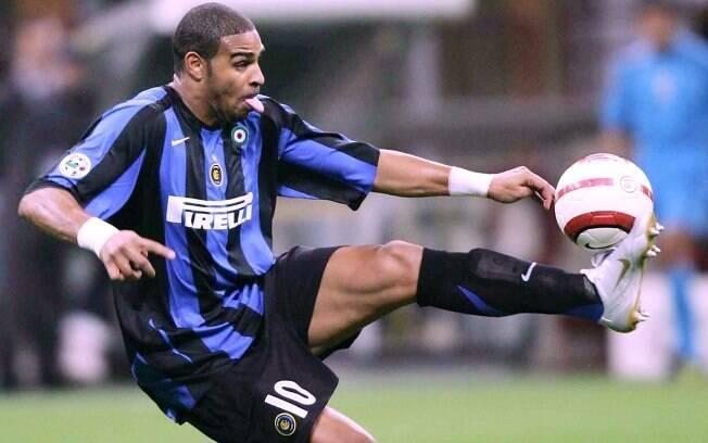 Adriano colecinou títulos com camisa da Inter  de Milão como duas Copa da Itália e quatro taças  do Italiano
