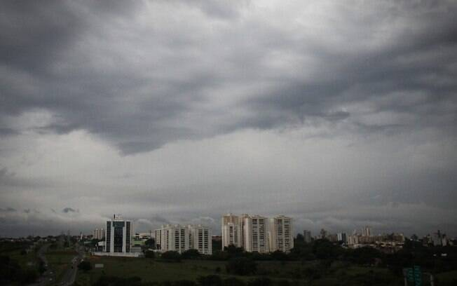 Terça-feira tem previsão de calor e risco de temporais na região