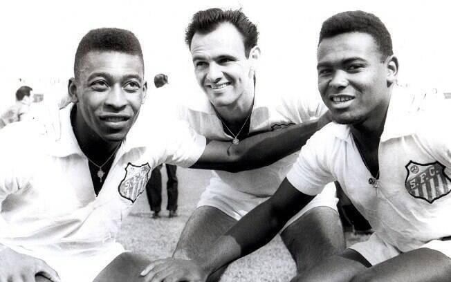 Coutinho fez trio histórico no Santos ao lado de Pelé e Pepe