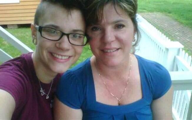 Pearl e sua mãe, Dawn Duclos