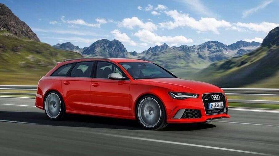 Audi RS6: perua esportiva de 605 cv é capaz de acelerar de 0 a 100 km/h em apenas 3,6 segundos, conforme a fabricante