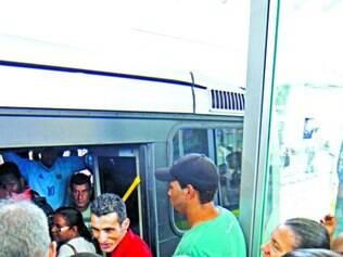 Com boa aceitação, ônibus do Move estão cada vez mais cheios