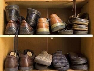 Segundo a mãe da Ana, o ideal é nunca deixar um sapato em cima do outro