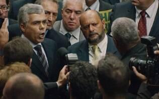 Não quero politizar, diz ator que vive deputado inspirado em Bolsonaro em série