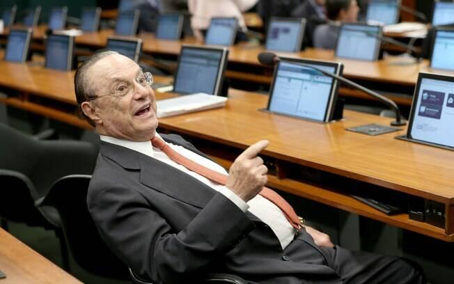 Paulo Maluf foi condenado por lavagem de dinheiro envolvendo propina recebida quando ele era prefeito de SP