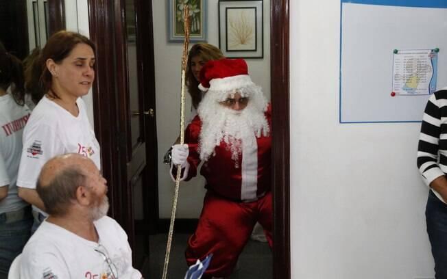 Luigi Baricelli vestido de Papai Noel