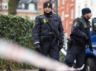 Polícia mantém vigilância em vários pontos de Copenhague