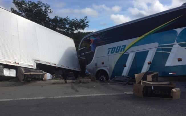 Acidente com ônibus do Bahia Sub-15 deixou dois mortos