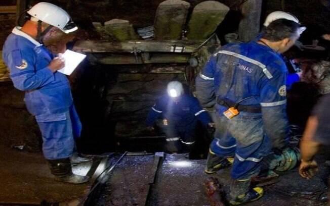 Trabalhadores em mina após explosão deixar vários feridos e mortos na Colômbia
