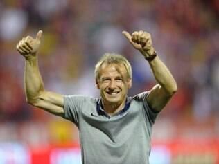 Campeão mundial pela Alemanha em 1990, o ex-atacante terá de comandar sua seleção contra a de seu país