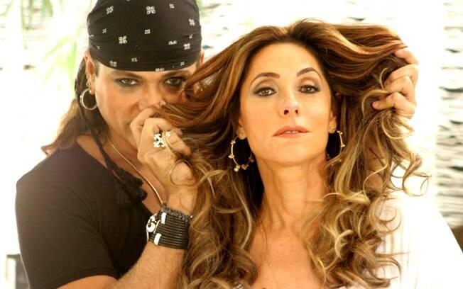 Flávio Priscott deu volume e nova cor ao cabelo de Christiane Torloni