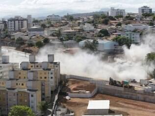 Implosão do viaduto Batalha dos Guararapes