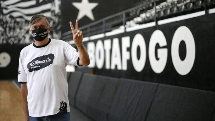 Durcesio Mello, presidente do Botafogo
