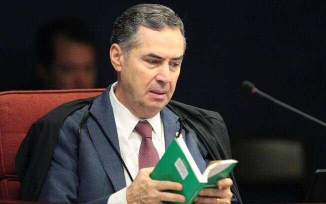 Luís Roberto Barroso negou que tenha feito qualquer referência política em seu discurso