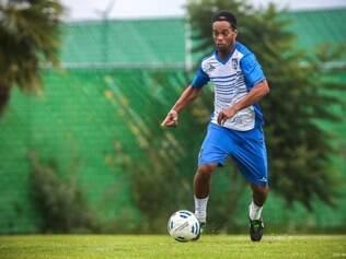 Nessa segunda, o meia-atacante fez o primeiro treino no novo clube