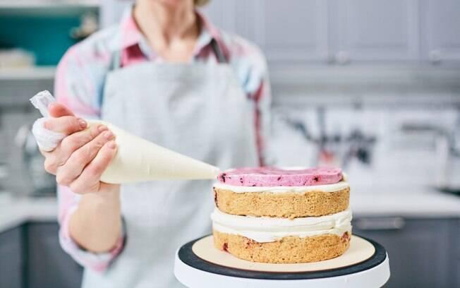 Na hora de comprar o bolo de aniversário do seu filho, não se esqueça de antes estabelecer quanto que você pode gastar