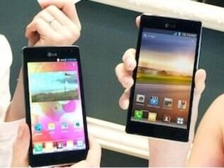 Smartphone LG Optimus 4X HD com processador de quatro núcleos