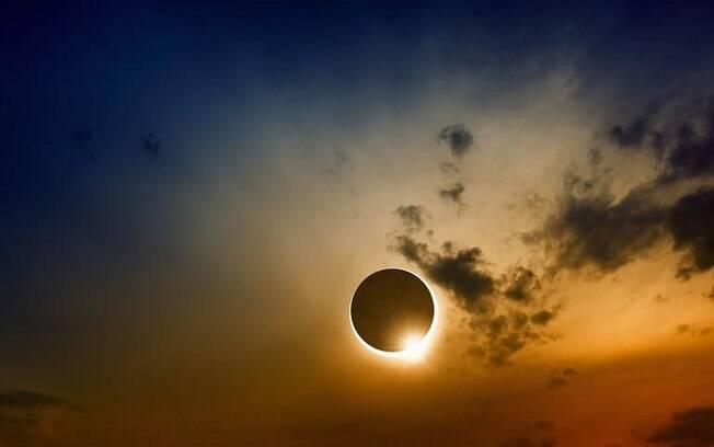Eclipse Solar em Gêmeos