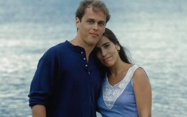 Guilherme Fontes e Glória Pires como Raquel (a gêmea do bem), que formavem o principal par romântico da trama