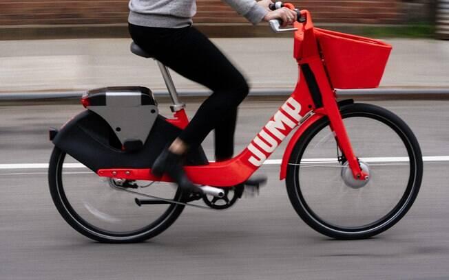 Bikes elétricas do Uber prometem poupar esforço dos usuários