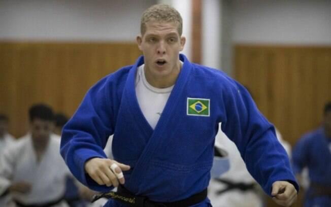 Rafael Buzacarini perdeu sua luta em Tóquio