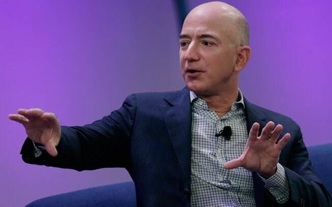 Jeff Bezos teve sua vida exposta pela publicação pró-Trump há algumas semanas; entenda o caso e a teoria do executivo