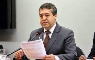 Governo quer formalizar jornada de trabalho diária de até 12 horas, diz ministro