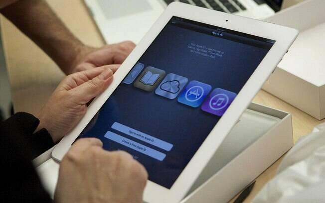 Novo iPad possui tela de alta resolução e deve ganhar versão menor em breve