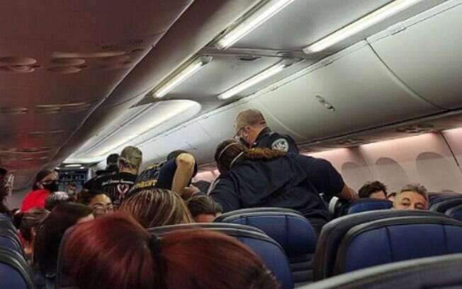 Passageiros tem momento de tensão em voo nos Estados Unidos