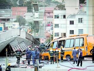 Tragédia. O viaduto Batalha dos Guararapes desabou no dia 3 de julho, matando duas pessoas