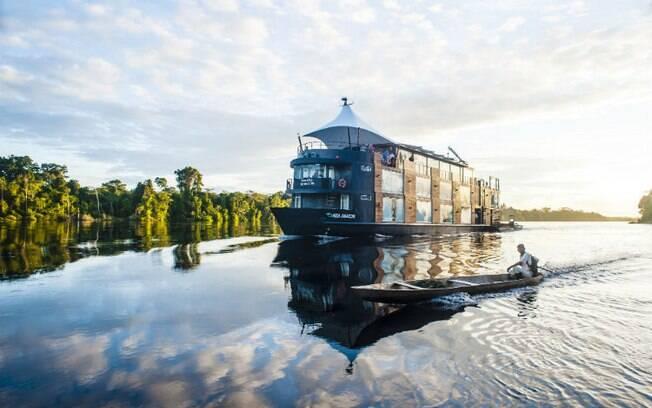 O turismo em Loreto foca na floresta amazônica; cruzeiros fluviais levam turistas para conhecer a selva