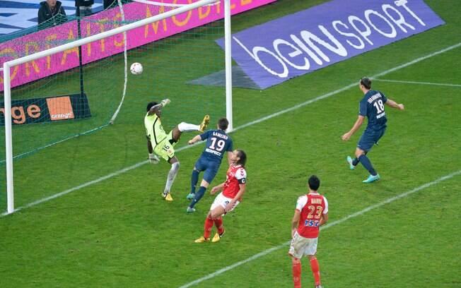 Na rodada seguinte, PSG venceu Stade de Reims  por 1 a 0 com gol de Gameiro e se igualou ao líder  Olympique, que perdeu do Troyes pelo mesmo placar