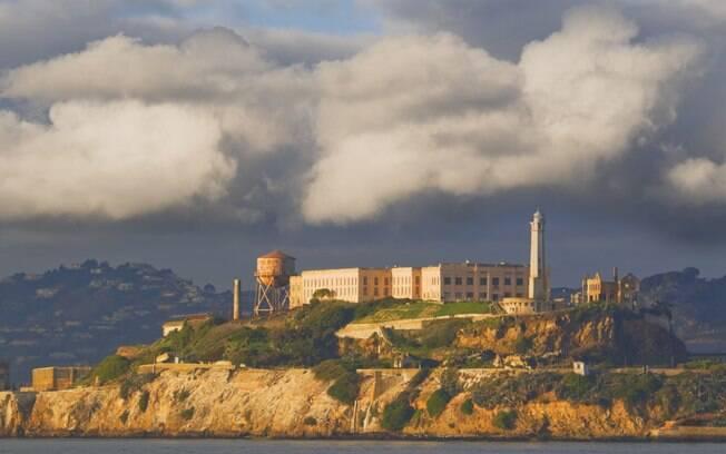 Dizem que da ilha de Alcatraz ainda sai sons assustadores dos prisioneiros mortos nas tentativas de fuga