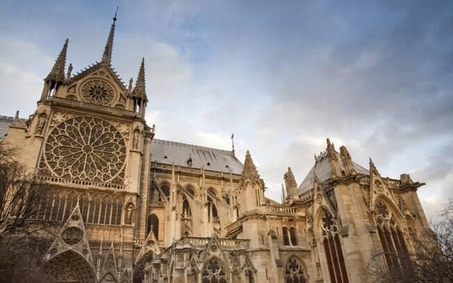 A Catedral de Notre Dame, lar do Quasímodo, personagem da Disney, também conta com uma bela vista para a capital