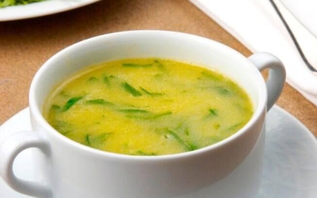 Sopas e Caldos: o caldo verde possui vitaminas e tem propriedades cicatrizantes