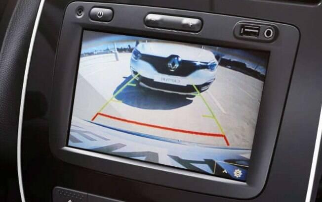 No Brasil, câmera de ré ainda é vista como equipamento de luxo para veículos  com centrais multimídias mais completas