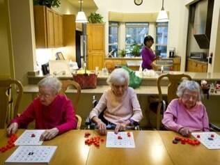 Cozinha aberta usada nas Green Houses permite maior interação entre residentes e funcionários