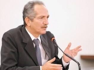Ministro ironizou a imprensa estrangeira e pediu mais confiança aos jornalistas brasileiros